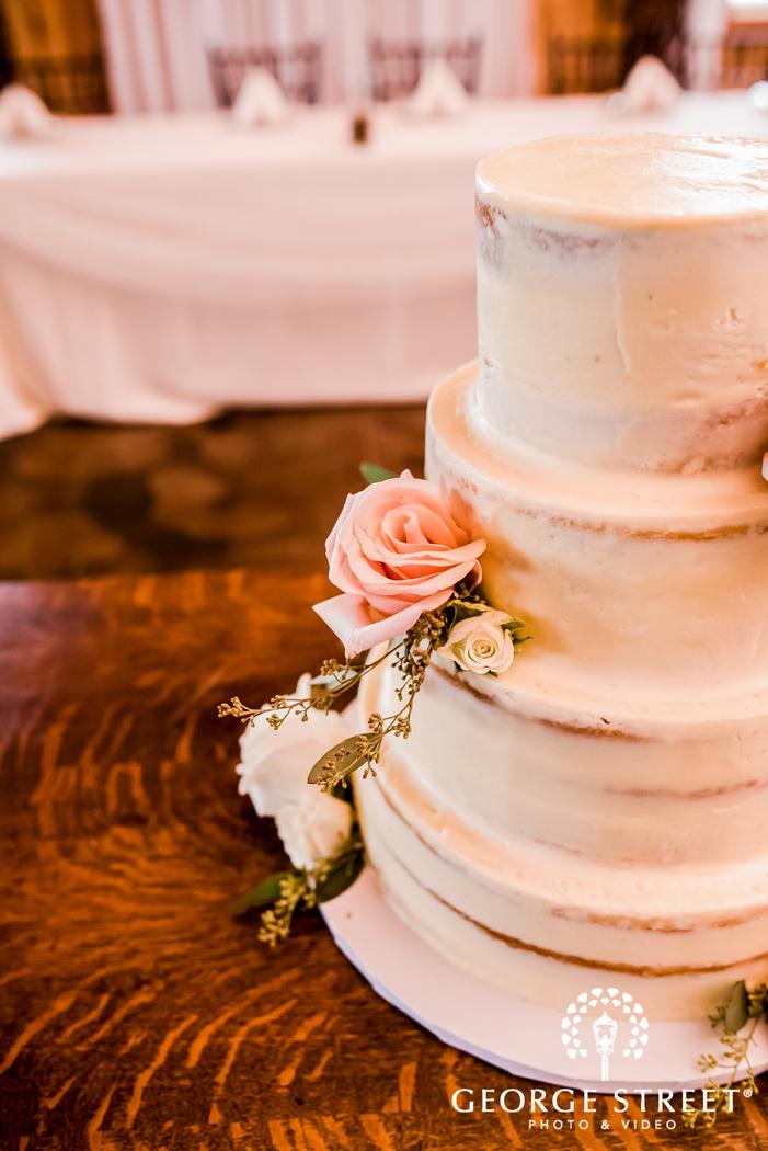 delightful wedding cake detail