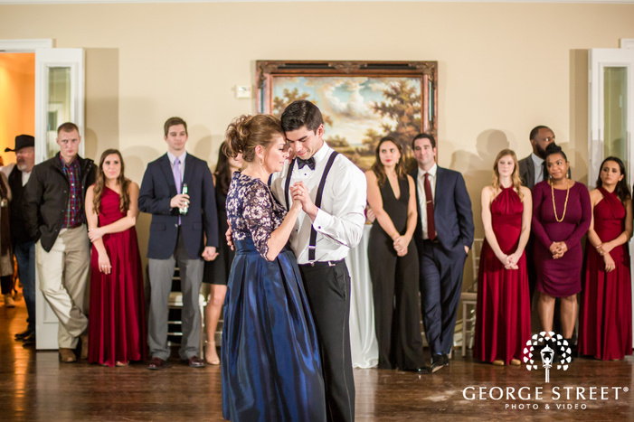 mesmerizing groom and mother reception dance