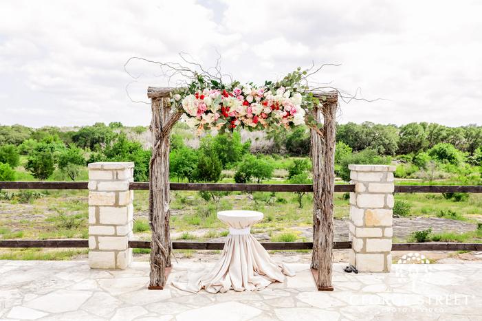 cute wedding altar at king river ranch wedding photo