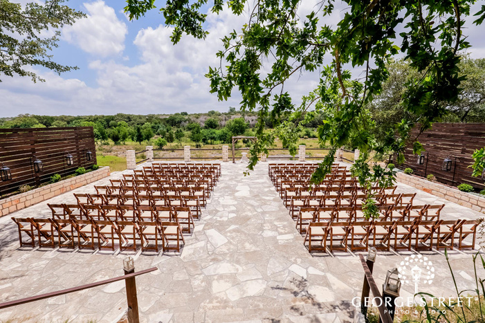 nice ceremony venue setup at king river ranch in austin wedding photo