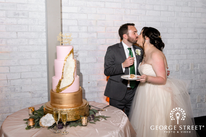 roamntic bride and groom cake cutting ceremony wedding photography