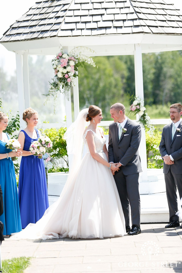 majestic oaks wedding ceremony portraits