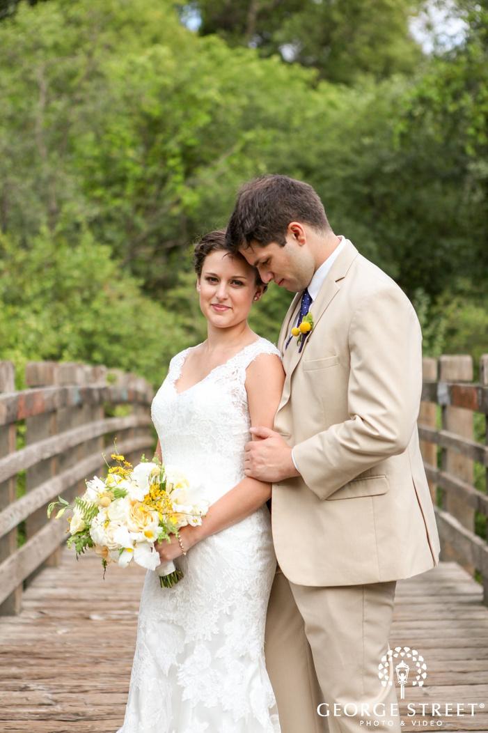 nicollet island pavilion outdoor wedding portraits