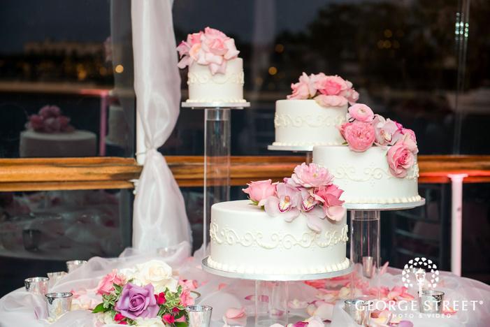 deliciuos wedding cakes at reception