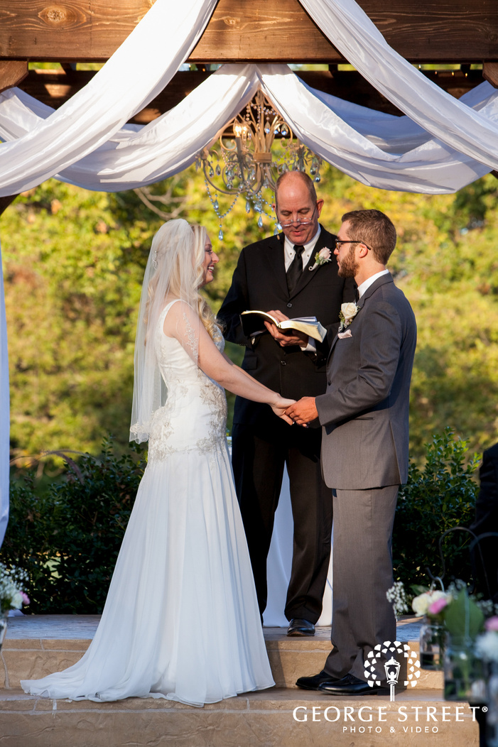 The Orchard Texas outdoor wedding ceremony