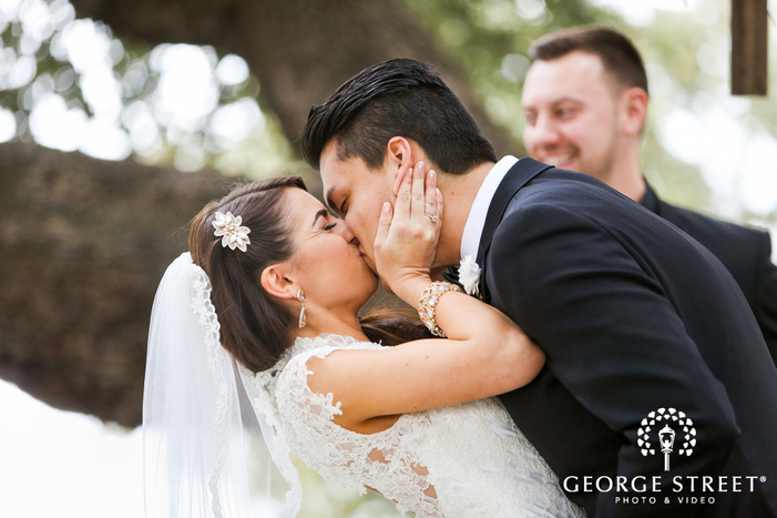 The Stonegate Mansion Dallas outdoor wedding photography