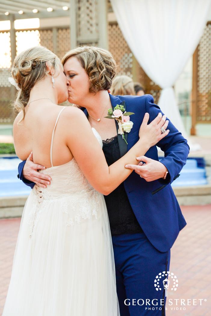 Worthington Hotel Dallas outdoor wedding photography