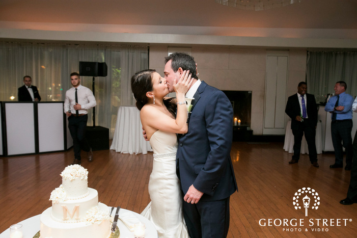 new york battery gardens wedding reception bride and groom cake cutting