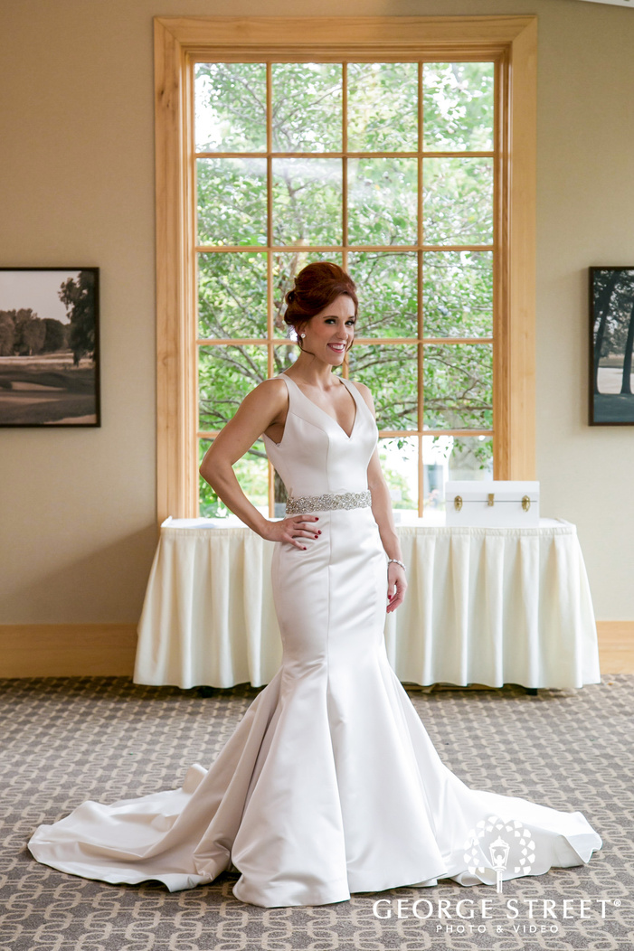 beautiful bride in lobby wedding photos