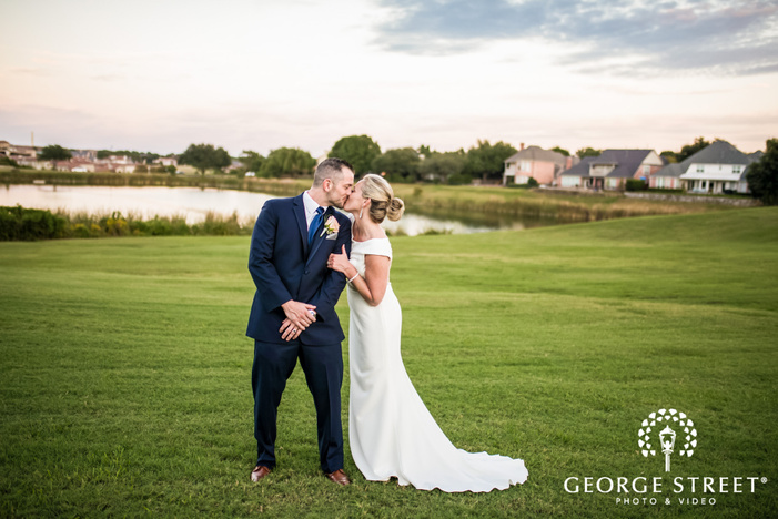 passionate bride and groom at stonebridge country club in dallas fort worth
