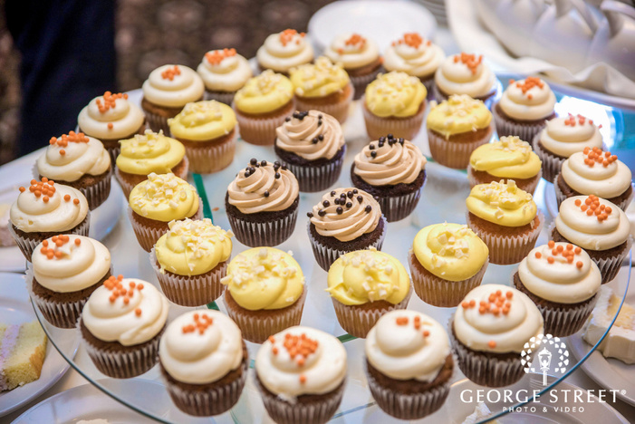 golden valley country club mesmerizing dessert for reception guests minneapolis wedding photos