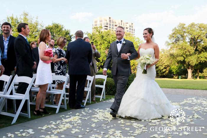 arlington Hall at Lee Park wedding outdoor ceremony