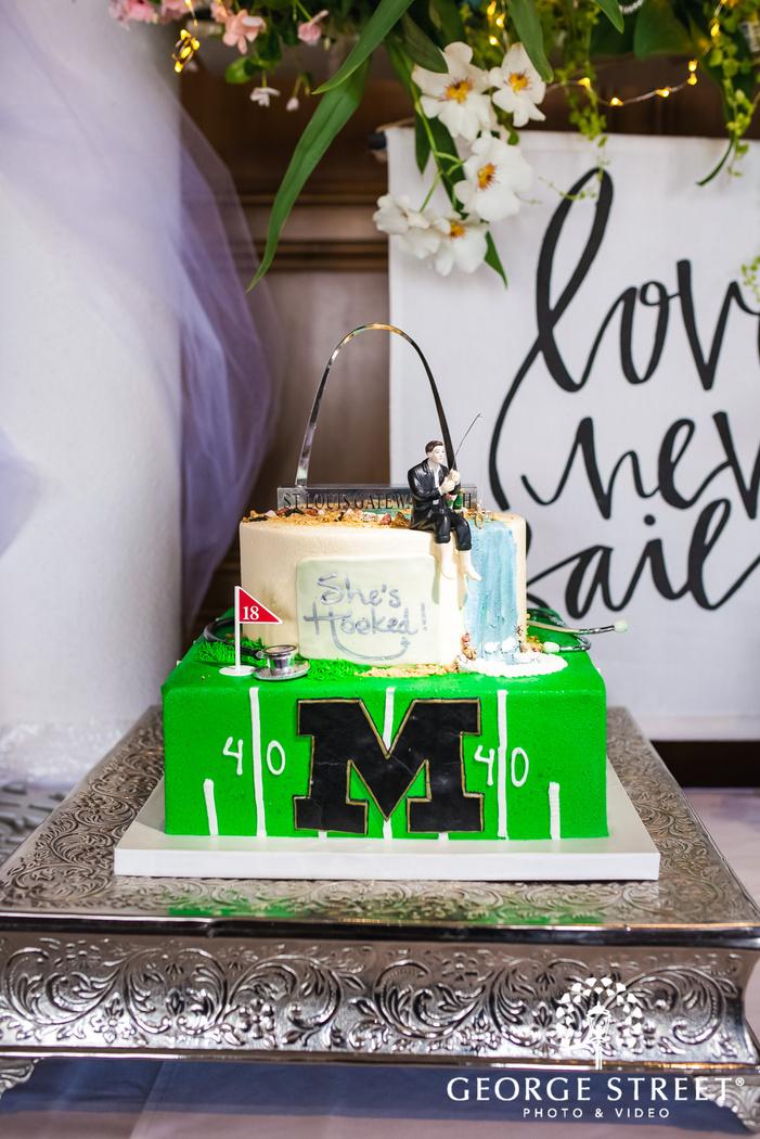 cute customized cake wedding photography