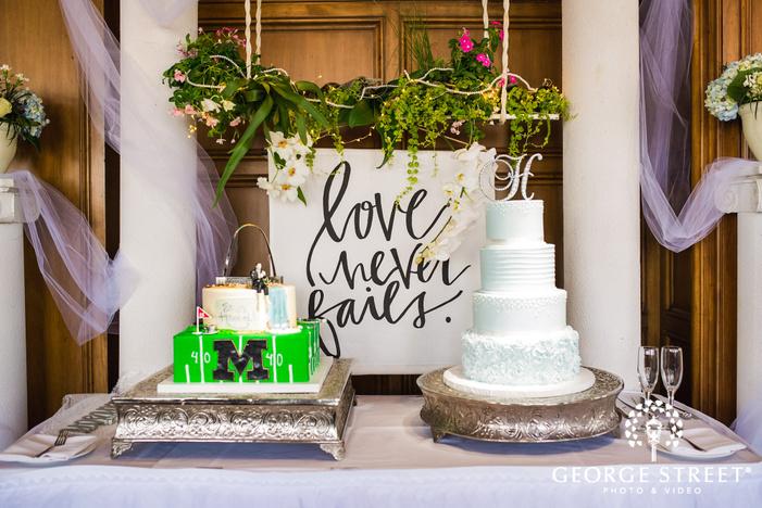 mesmerizing reception cake and table setting wedding photo