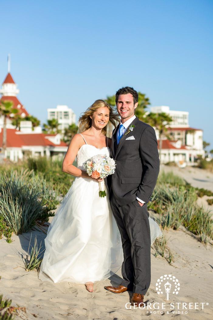 coronado community center mesmerizing couple infront beach resort san diego wedding photos