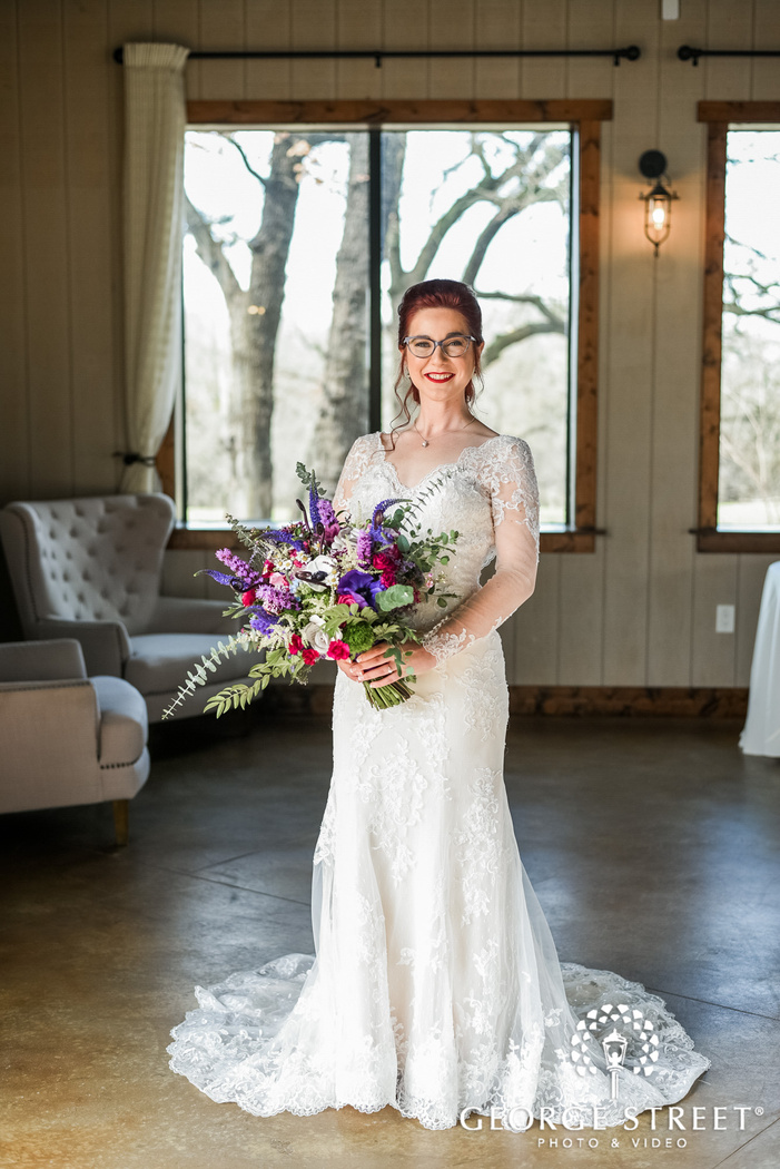 gorgeous bride in lounge wedding photography