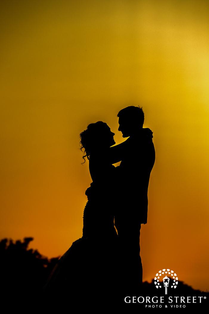 beautiful silhouette wedding photo