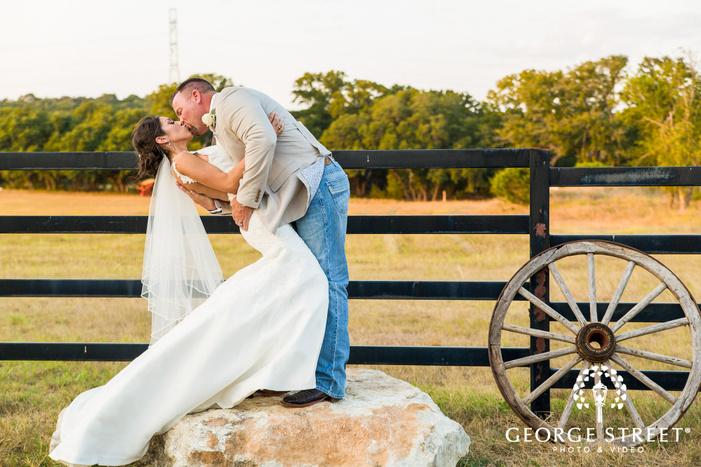 southern style wedding photos kendall plantation san antonio
