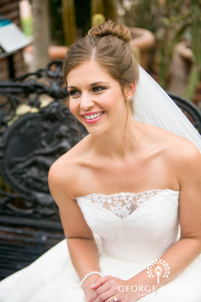 missouri Botanical Garden St  Louis wedding beautiful bridal portraits