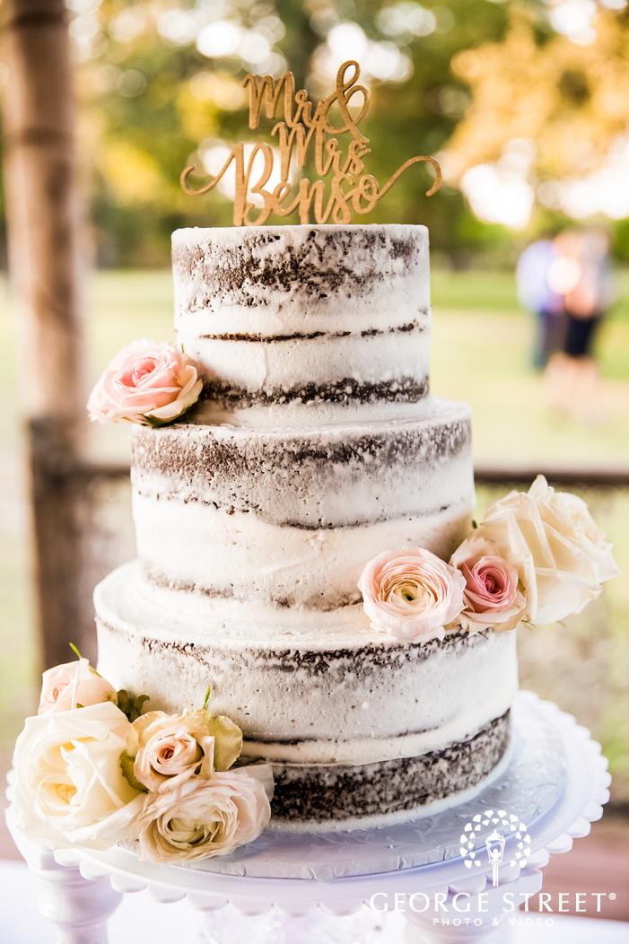 beautiful three tier wedding cake wedding photo