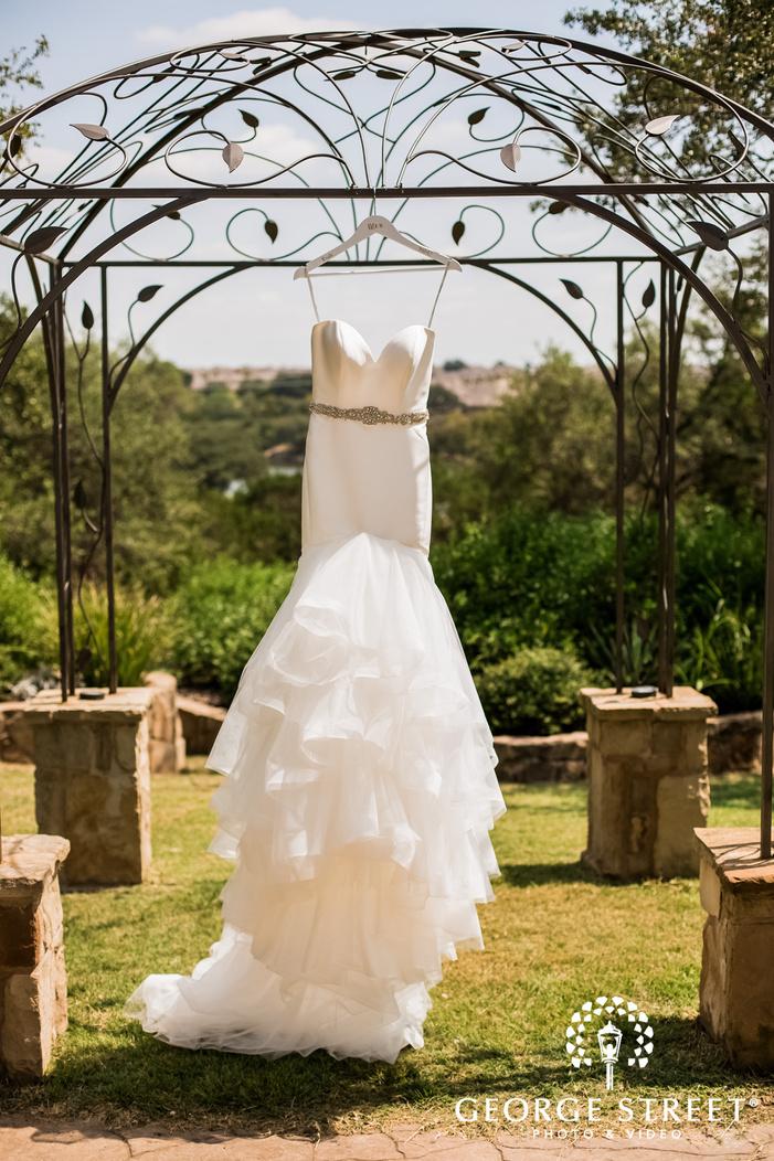 gorgeous bridal wedding dress wedding photo