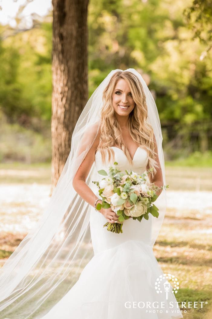 happy bride wedding photos