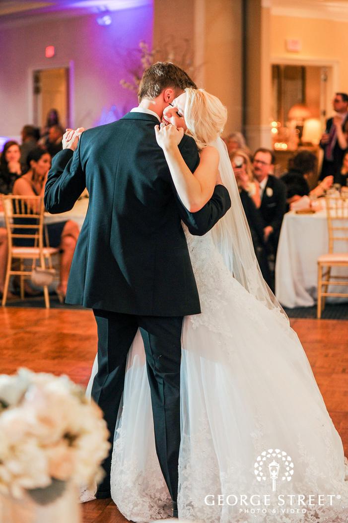 bride and groom first dance creek golf club detroit wedding photos