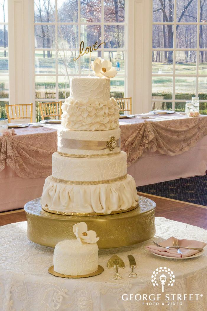 cherry creek golf club fancy wedding cake detroit wedding photos