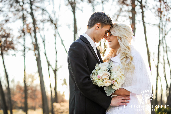creek golf club detroit adorable couple wedding photos