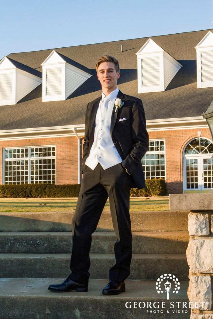 creek golf club handosme groom on steps detroit wedding photos