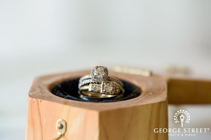 modish bride and groom wedidng rings