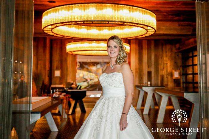 elegant bride in the hallway of radisson blu mall of america minneapolis