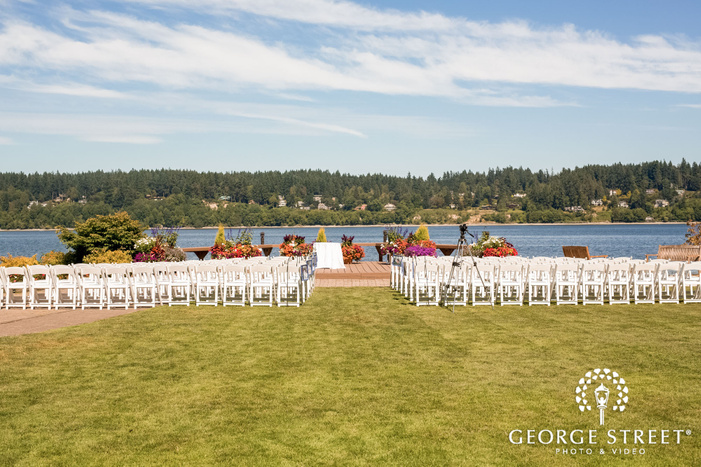 mesmerizing wedding ceremony venue at kiana lodge garden in seatlte wedding photo