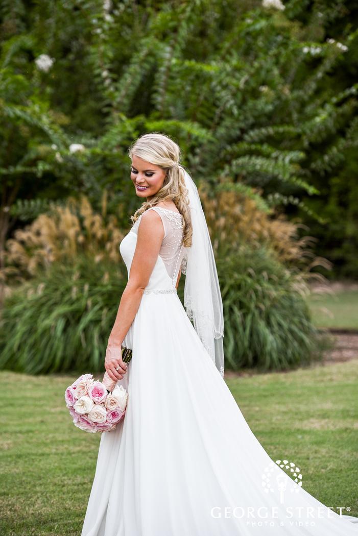 beautiful outdoor bridal portraits heritage springs dallas