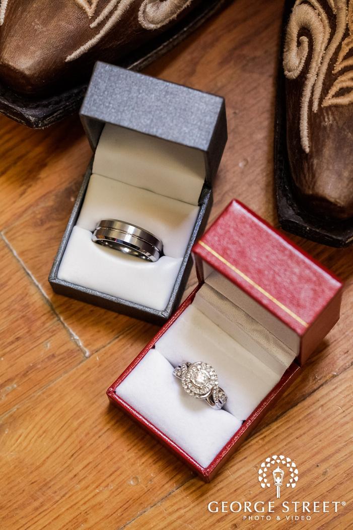modish birde and groom wedding rings