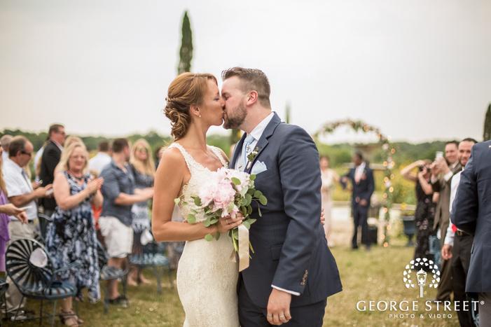 lovable bride and groom wedding photos