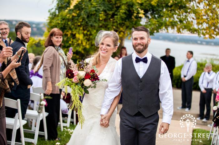 vintage villas outdoor wedding ceremony portraits