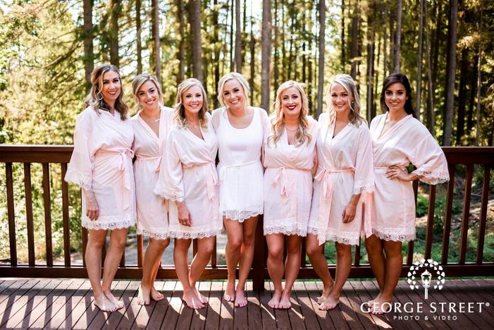 pretty bride and bridesmaids wedding photos