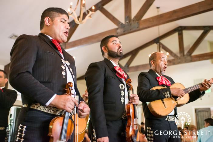 pecan springs ranch austin wedding reception mariachi band