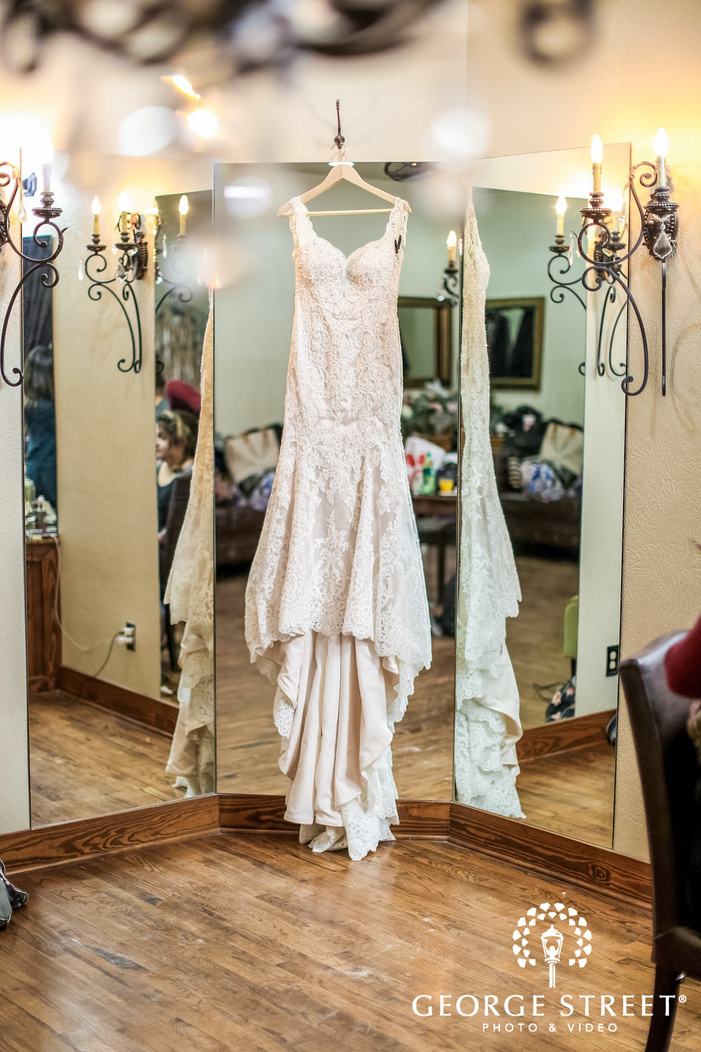 gabriel springs austin beautiful bride attire wedding photos
