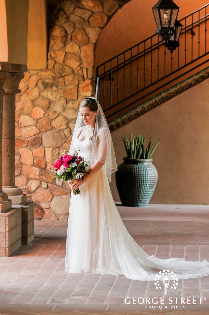 lovely bride posing wedding photography