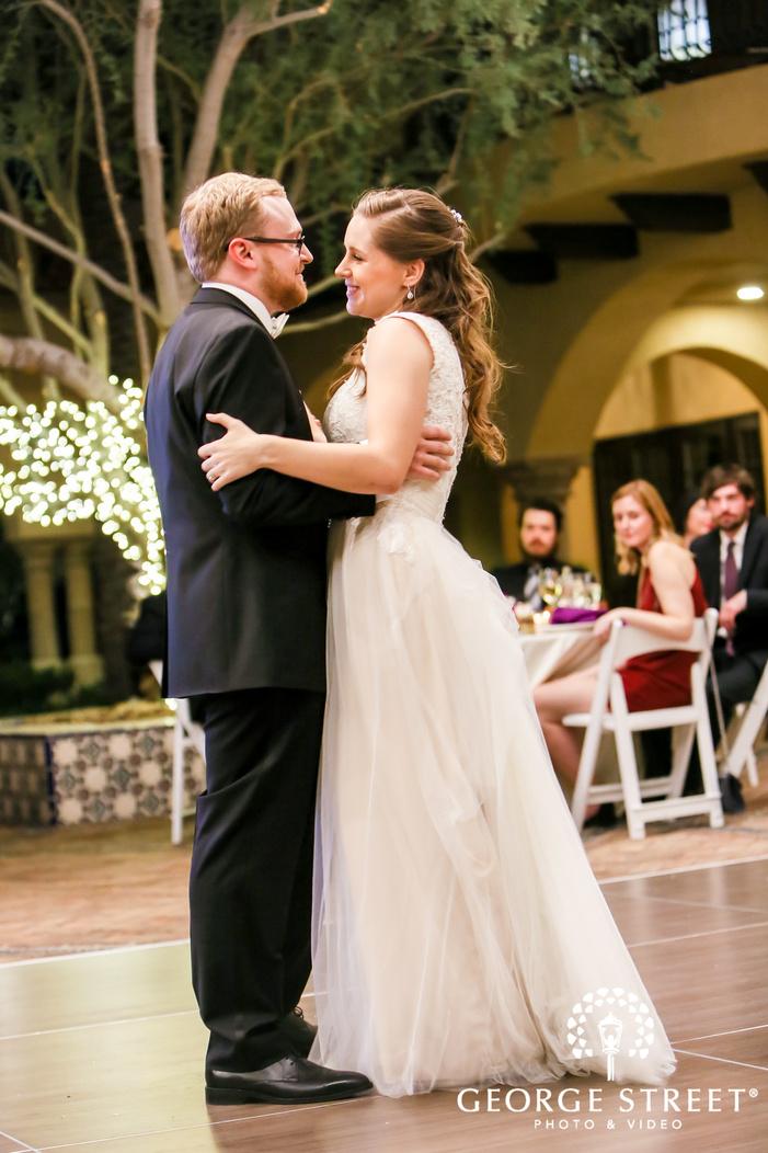 mesmerizing bride and groom reception dance
