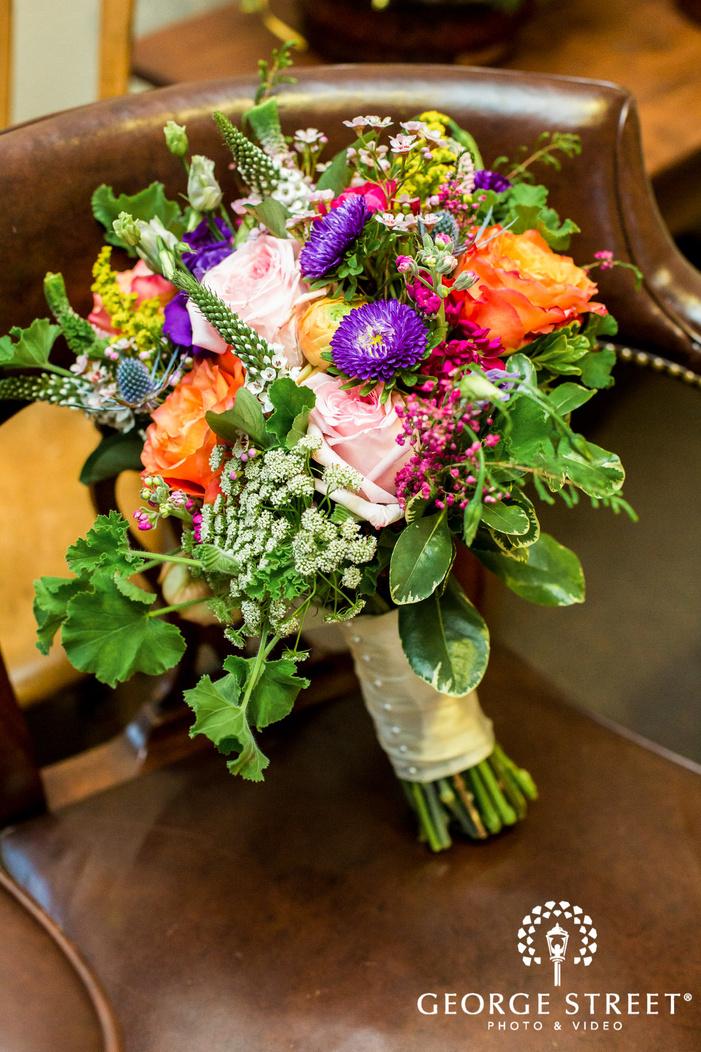 classy bridal bouquet detail