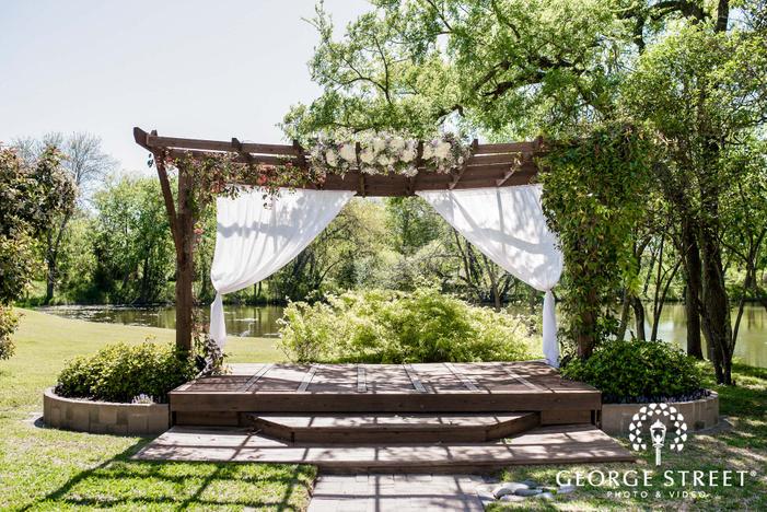 cross creek ranch dallas fort worth elegant altar decor wedding photos