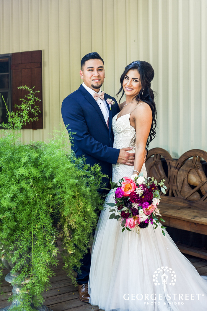 beautiful bridal and groom at classic oaks ranch in dallas   fort worth wedding photo