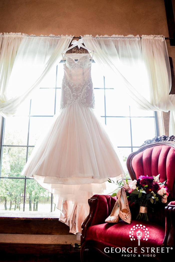 beautiful white bridal dress wedding photo
