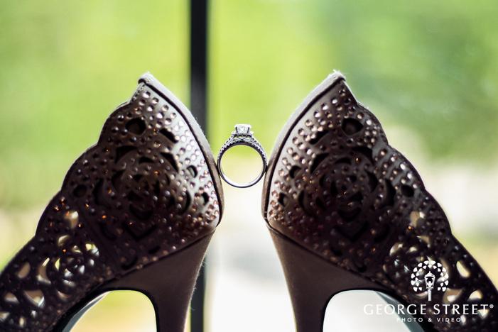 elegant bride ring wedding photos