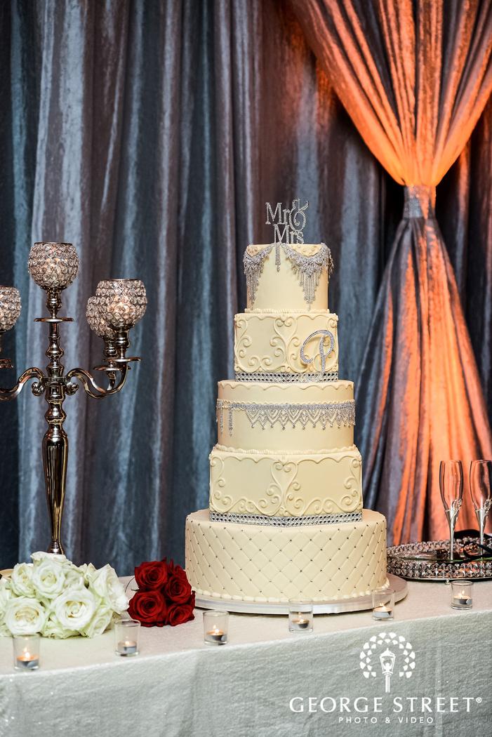 prestonwood country club fancy wedding cake dallas fort worth wedding photos