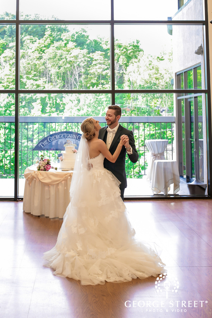 gorgeouse bride and groom reception dance at georgetown centre pittsburgh